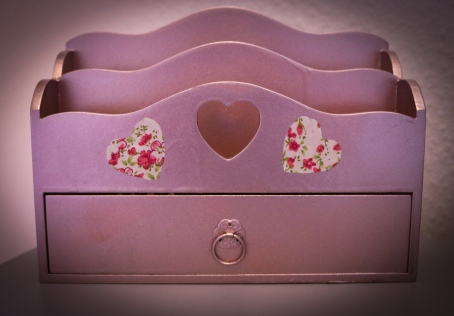 Rose gold letter holder